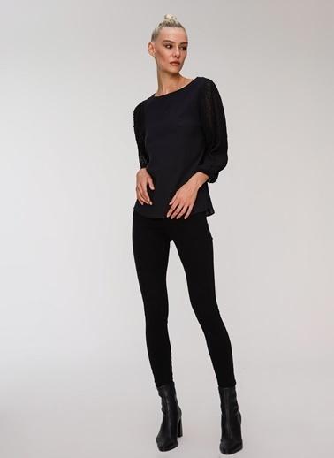 People By Fabrika Şifon Kol Detaylı Bluz Siyah
